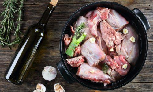 Carne De Coelho E Vinho