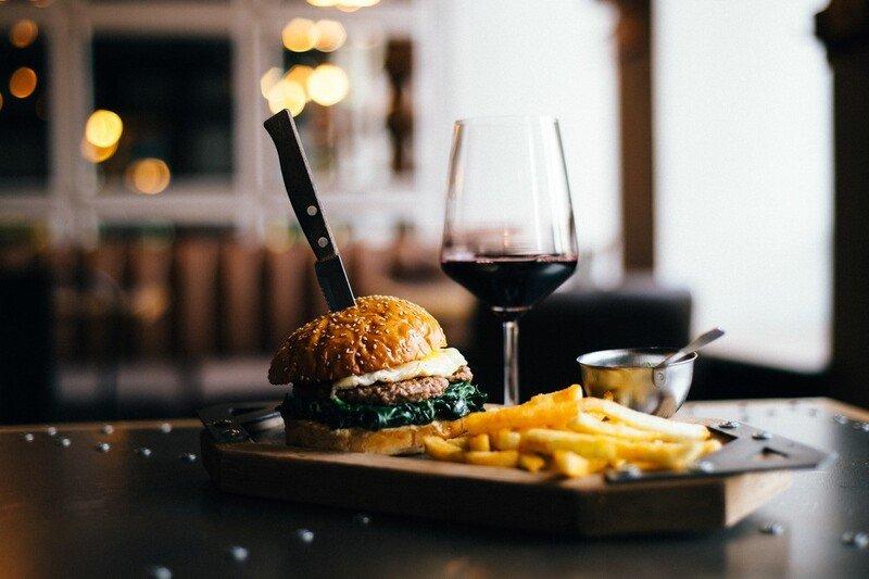 Saiba Como Harmonizar Hambúrgueres E Vinhos