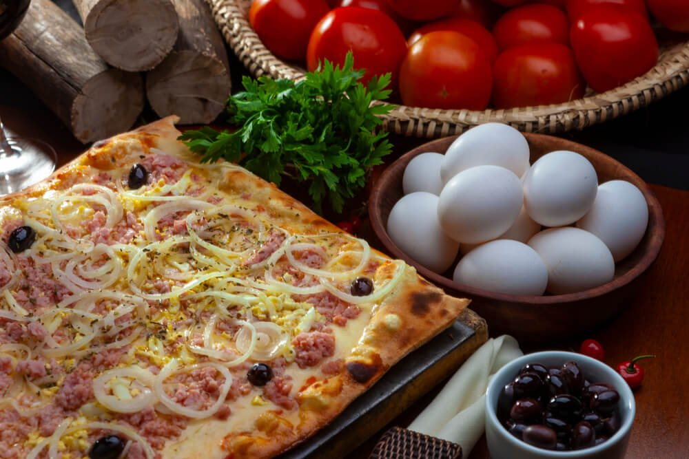 pizza e vinho pizza portuguesa