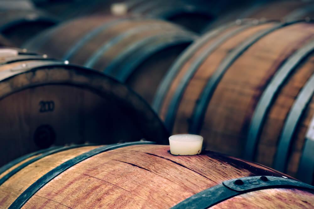 barris de vinho processo de oxigenação
