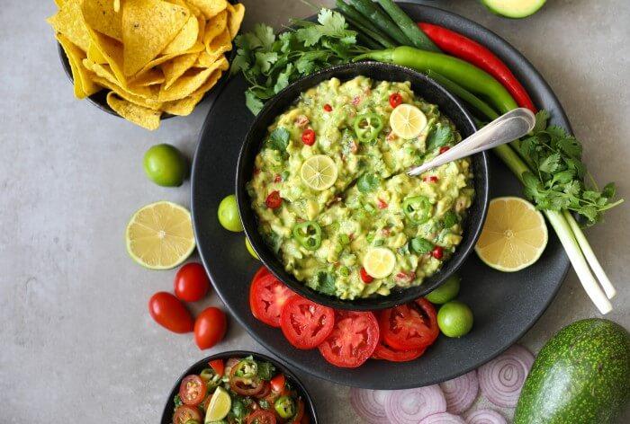 Receitas rápidas para fazer em casa prato de guacamole